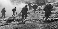 Во время наступления под Ржевом. Северо-Западный фронт 1942 год. Архивное фото