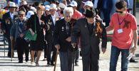 Бишкектеги Улуу Ата Мекендик согуш ардагерлери. Архивдик сүрөт