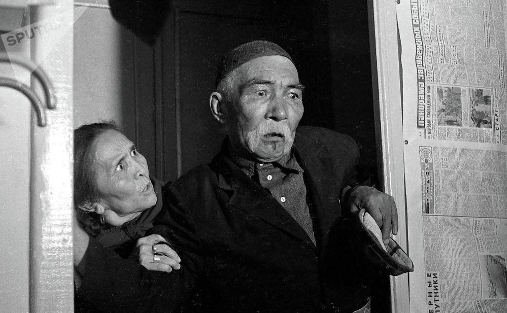 Актриса Сабира Күмүшалиева менен актёр Асанкул Куттубаев, 1975-жыл