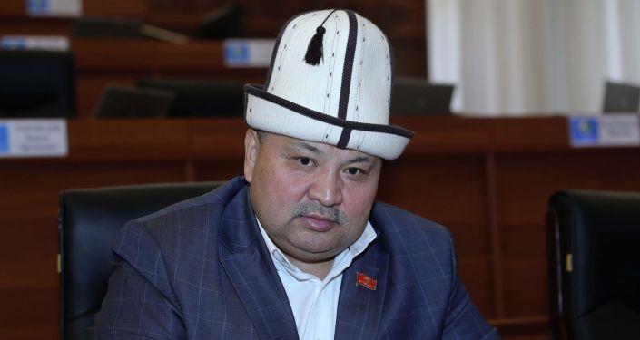 Депутат ЖК Кожобек Рыспаев на заседании