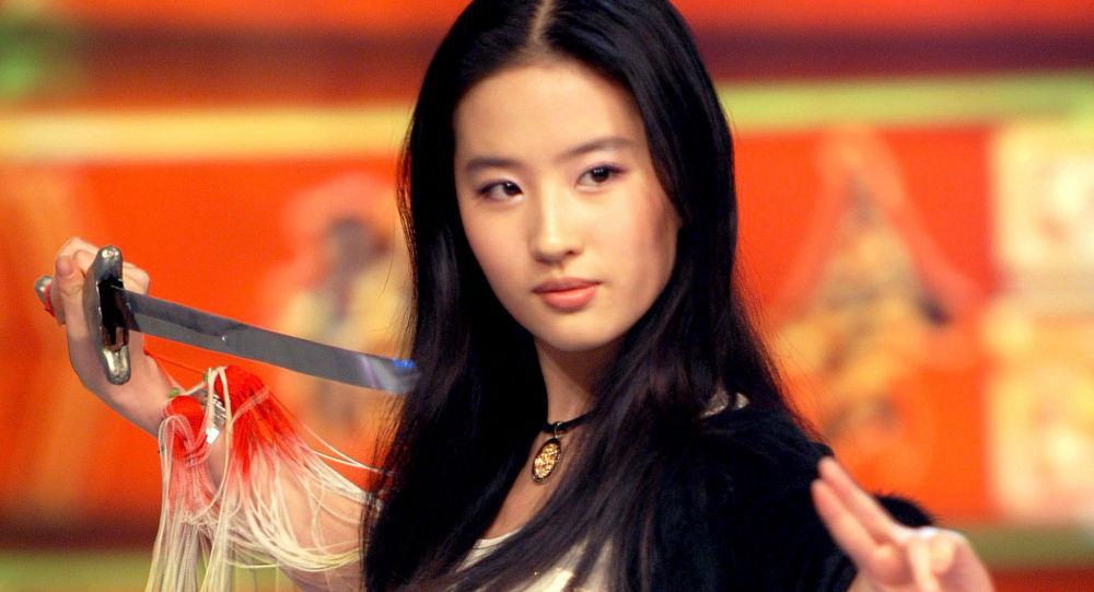 Актриса Лю Ифэй. Архивное фото