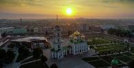 Тульский кремль. В центре: Успенский собор.