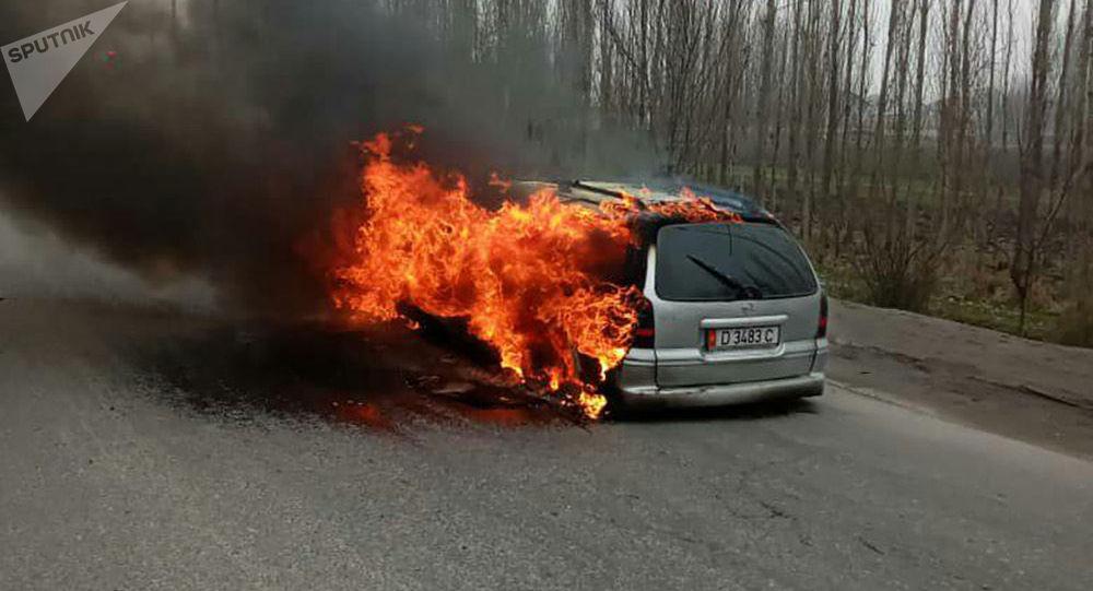 Бүгүн, 8-март күнү, Сузак районунун Ырыс айыл аймагында жүрүп бара жаткан автоунаадан өрт чыгып кетти