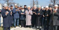 Сегодня Духовное управление мусульман Кыргызстана совместно с гражданами провело в центральной мечети Бишкека обряд жертвоприношения (тулоо)