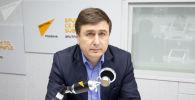 Экономист Вячеслав Ионицэ на радиостудии Sputnik Молдова