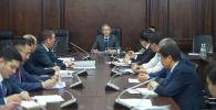 Вице-премьер-министр КР Эркин Асрандиев на заседании. Архивное фото