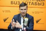 Мамлекеттик каттоо кызматынын кыймылдуу мүлктү каттоо бөлүмүнүн башчысы Бахтияр Кучумкулов
