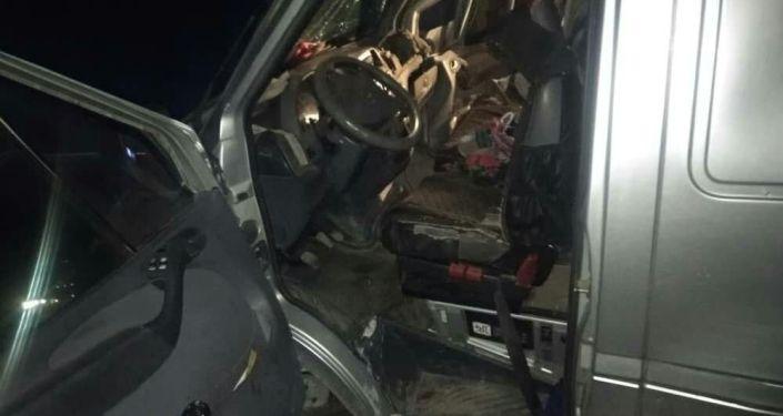 Столкнулись поезд и маршрутка. ДТП произошло в Петровке 13 марта 2020 года