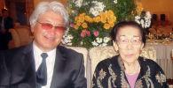 Заслуженный деятель культуры Кыргызстана Акун Токтосартов и видный общественный деятель Кулуйпа Кондучалова