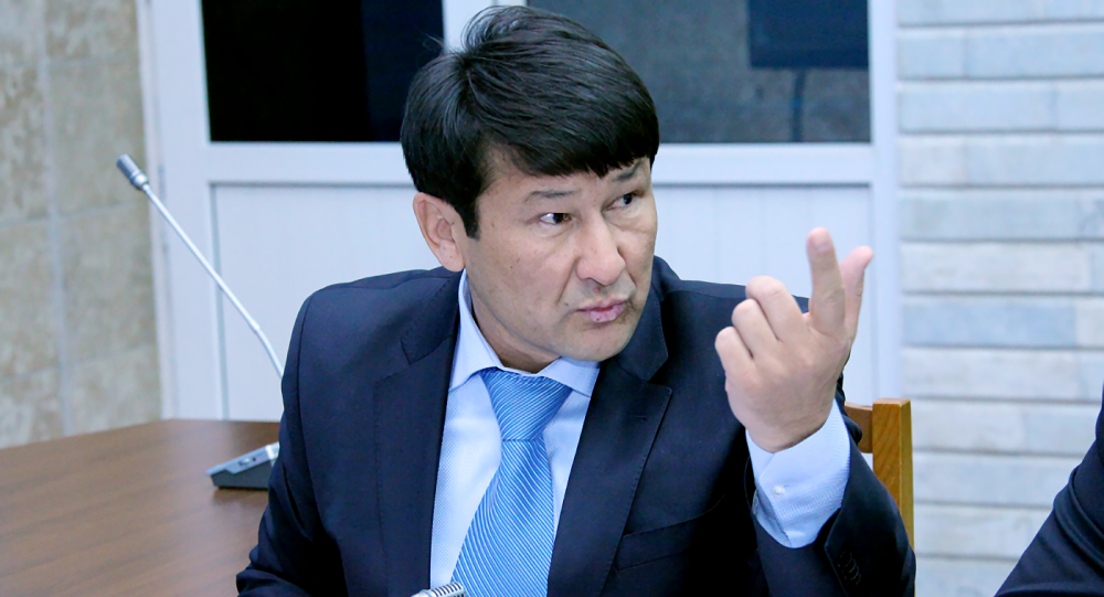 Полномочный представитель президента в Жогорку Кенеше Анарбек Калматов. Архивное фото