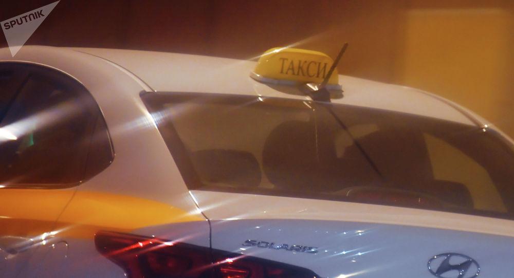 Автомобиль такси. Архивное фото