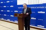 Саламаттык сактоо министринин орун басары Төлө Исаков коронавируска байланыштуу Кыргызстандагы кырдаал боюнча брифинг өткөрүүдө.
