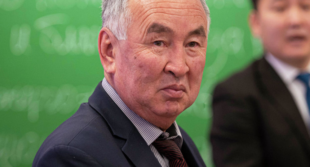 Директор Департамента профилактики заболеваний и госсанэпиднадзора Министерства здравоохранения КР Толо Исаков