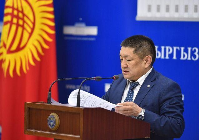 Министр здравоохранения КР Космосбек Чолпонбаев на пресс-конференции по случаю коронавируса В КР. Бишкек. 20 марта 2020 года
