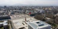 Вид на площадь Ала-Тоо в центре Бишкека во время солнечной погоды