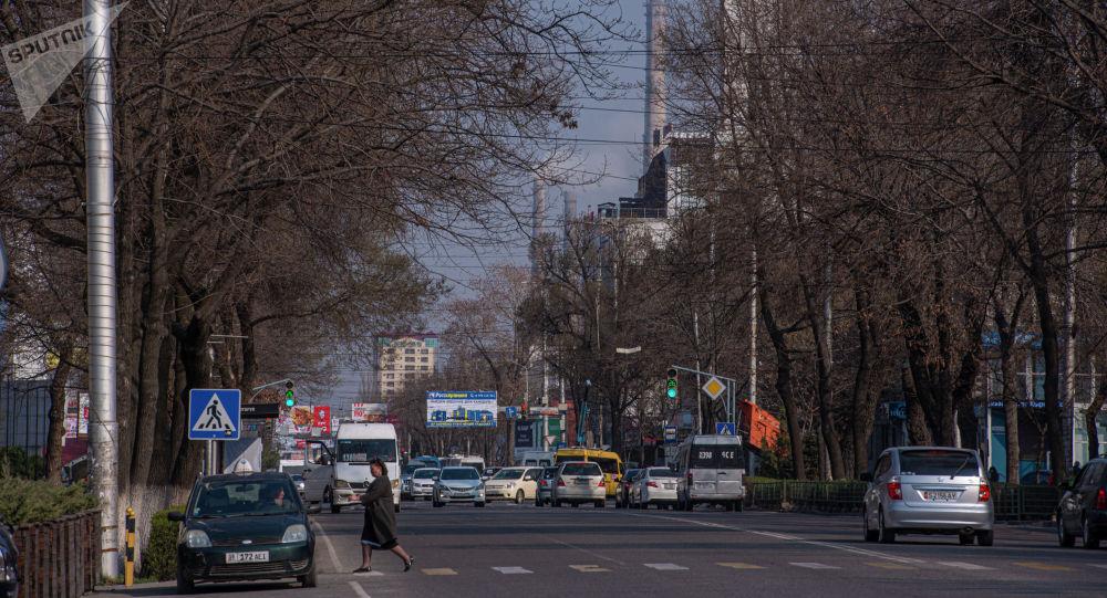 Бишкектин көчөсүнө көрүнүш. Архивдик сүрөт