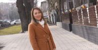 Бизнесвумен Назира Сооронбаева возле редакции Sputnik Кыргызстан
