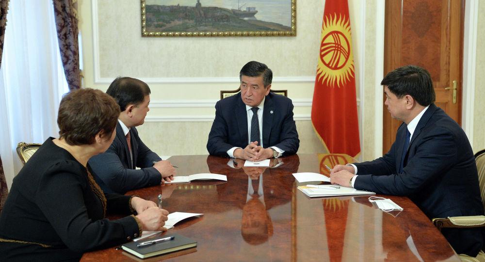 Сооронбай Жээнбеков, Жогорку Кенеша Төрагасы, Премьер-министр жана Жогорку сотттун Төрагасы