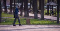 Бишкекте калпак кийген киши. Архив