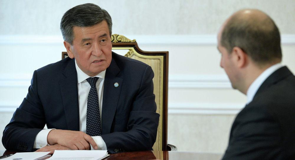 Президент Кыргызской Республики Сооронбай Жээнбеков встретился с постоянным представителем Международного валютного фонда (МВФ) в Кыргызской Республике Тиграном Погосяном.