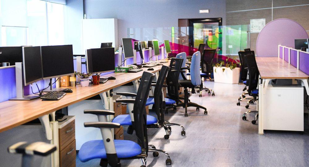 Офис в здании МИА Россия сегодня в Москве. Из-за угрозы эпидемии коронавирусной инфекции в России часть предприятий и госучреждений перешла на удалённый режим работы.