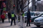Сотрудники патрульной милиции в Бишкеке. Архивное фото