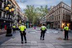 Барселонадагы полиция кызматкерлери. Архивдик сүрөт
