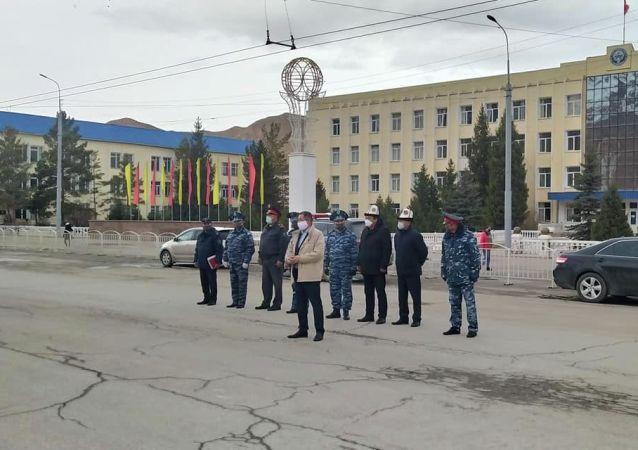 Сотрудники УВД Нарынской области во время показательного выступления