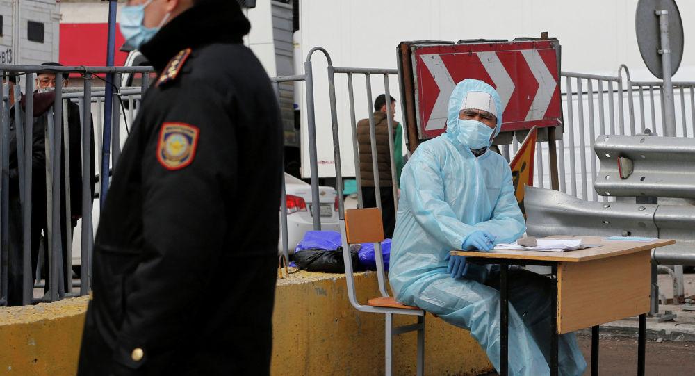 Алматы шаарындагы коронавируска текшерүүчү блок пост
