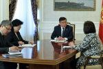Президент Кыргызской Республики Сооронбай Жээнбеков встретился с главой офиса Всемирного банка в Кыргызстане Болормой Амгаабазар. 27 марта 2020 года
