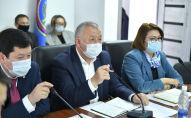 Первый вице-премьер-министр Кыргызской Республики Кубатбек Боронов провел заседание Республиканского оперативного штаба