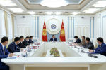 Президент КР Сооронбай Жээнбеков на заседании Совета безопасности в узком составе с участием руководителей государственных органов страны