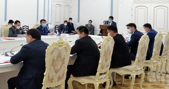 Заседание Совета безопасности в узком составе с участием руководителей государственных органов страны