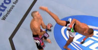 UFC представил поклонникам смешанных единоборств видеоподборку боев, которые завершились мощным ударами с разворота.