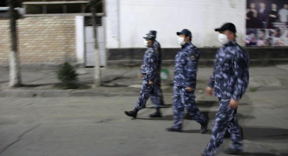 Оштогу милиция кызматкерлери коменданттык саат убагында