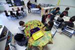 Воспитанники детского сада во время занятий. Архив