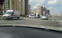 Бишкекте Тез жардам кызматынын унаасы жол кырсыгына кабылды