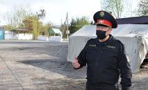 Комендант Оша, Ноокатского и Кара-Сууйского районов Малик Нурдинов во время обхода блокпостов