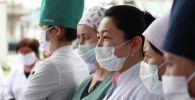 Медик кызматкерлери. Архивдик сүрөт