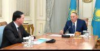 Елбасы Нурсултан Назарбаев встретился с премьер-министром страны Аскаром Маминым. Они обсудили экономические вопросы, а также борьбу с коронавирусом.