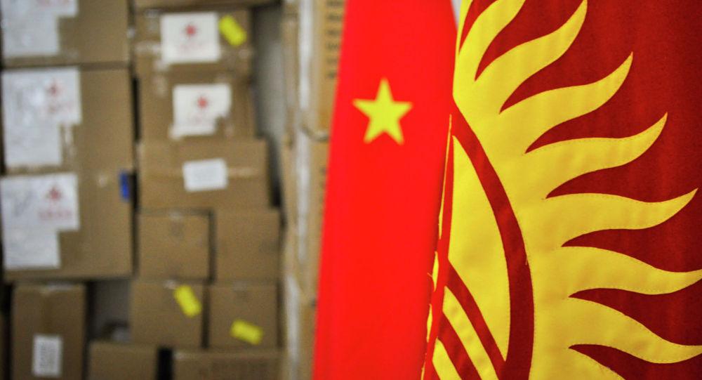 Правительство Китая передало гуманитарный груз Кыргызстану для борьбы с коронавирусом.