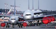 Самолеты на стоянке в аэропорту Шереметьево. Архивное фото