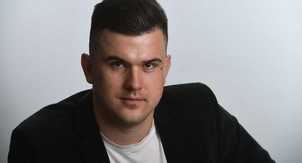 Начальник отдела редакции сайта ria.ru Андрей Станавов