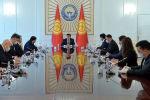 Президент КР Сооронбай Жээнбеков встретился с торага Жогорку Кенеша Дастанбеком Джумабековым, премьер-министром Мухаммедкалыем Абылгазиевым и лидерами парламентских фракций страны