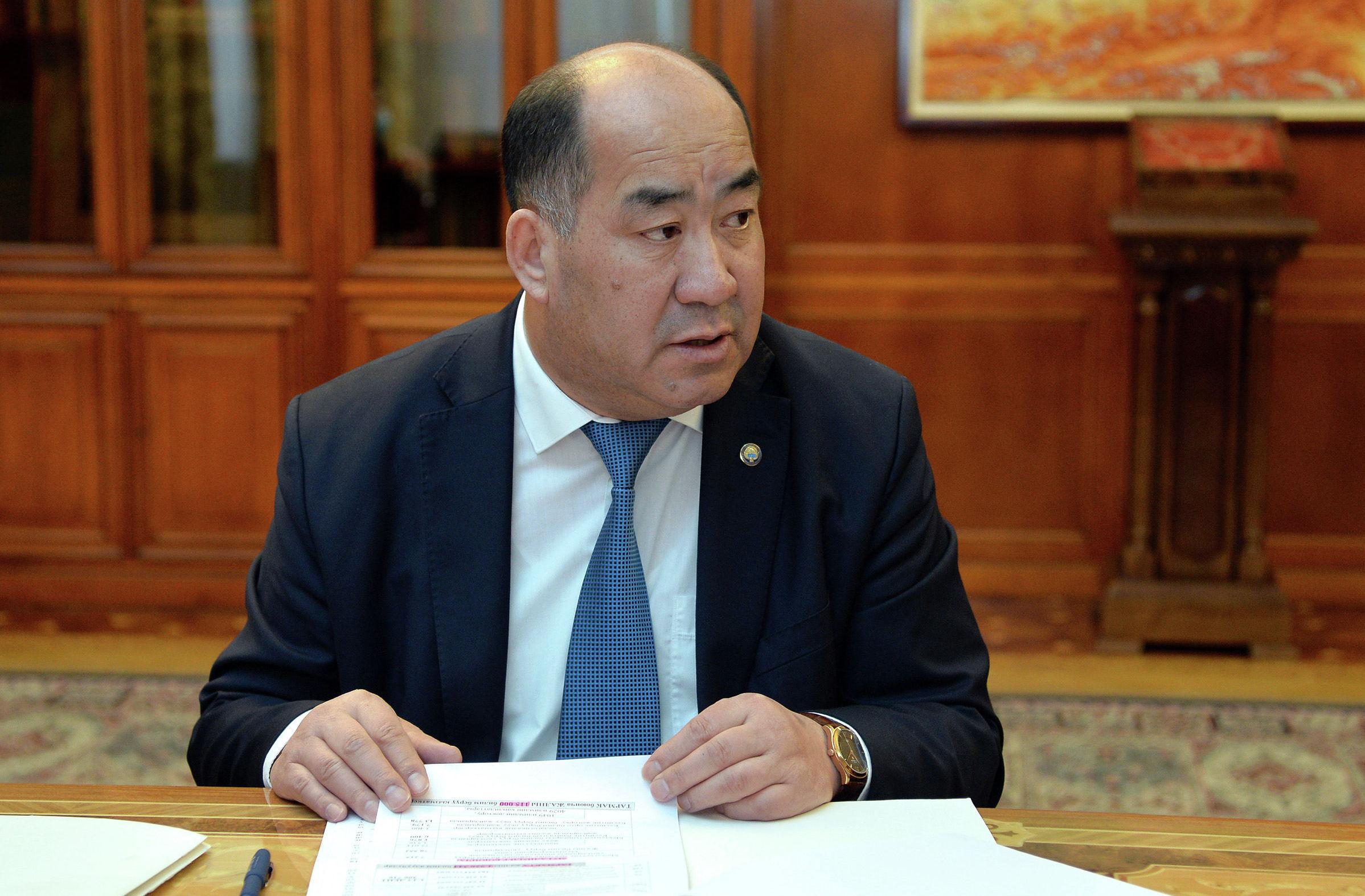 Президент Кыргызской Республики Сооронбай Жээнбеков сегодня, 2 апреля, принял министра образования и науки Кыргызской Республики Каныбека Исакова.