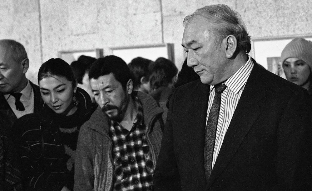 Актриса Айтурган Темирова, режиссёр Геннадий Базаров жана Мелис Убукеев