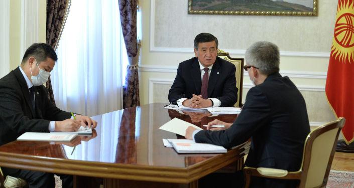 Президент КР Сооронбай Жээнбеков принял вице-премьер-министра Эркина Асрандиева