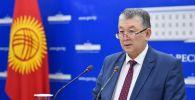 Саламаттык сактоо министринин орун басары Нурболот Үсөнбаев. Архивдик сүрөт