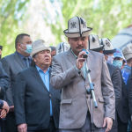 Кыргызский акын Женишбек Жумакадыр говорит об усопшем