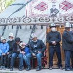 Маркумду акыркы сапарга узатуу зыйнаты Бишкектин Тунгуч кичи районундагы өз үйүндө өттү